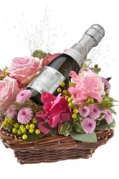Blumen und Prosecco