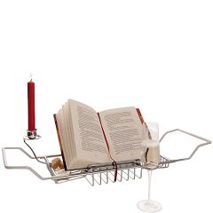 Buch mit Kerze und Glas