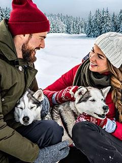 Mydays Paar mit Huskies