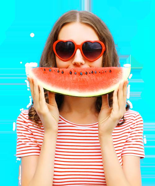 Frau mit Wassermelone